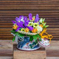 Керамичен чайник с цветя
